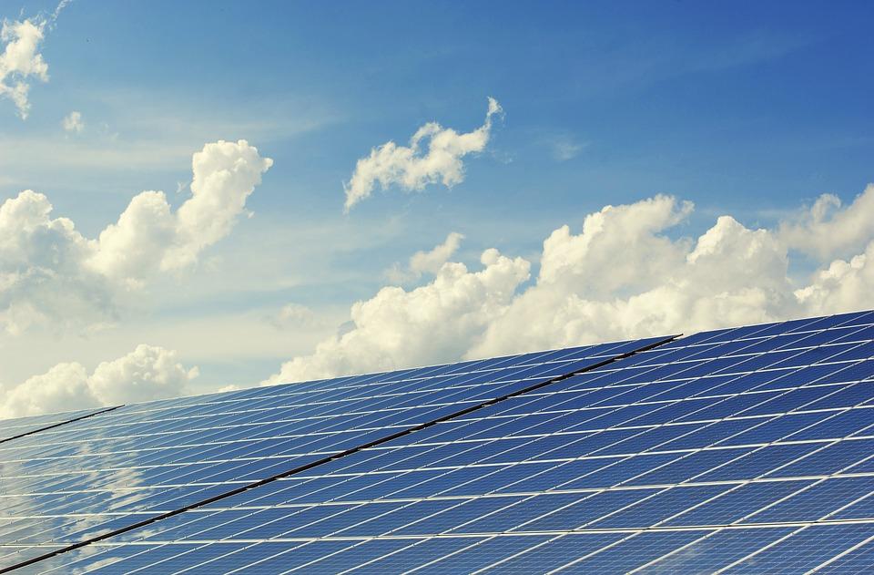 Panneau photovoltaïque (exemple d'alternatives durables)