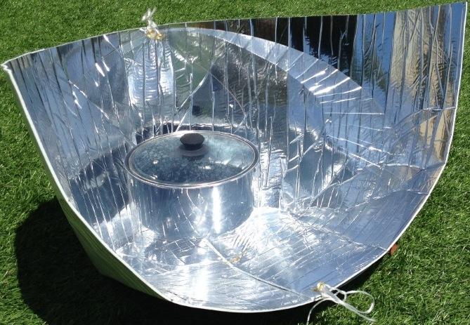 Photo d'un four solaire : source d'énergie solaire durable et respectueuse de l'environnement